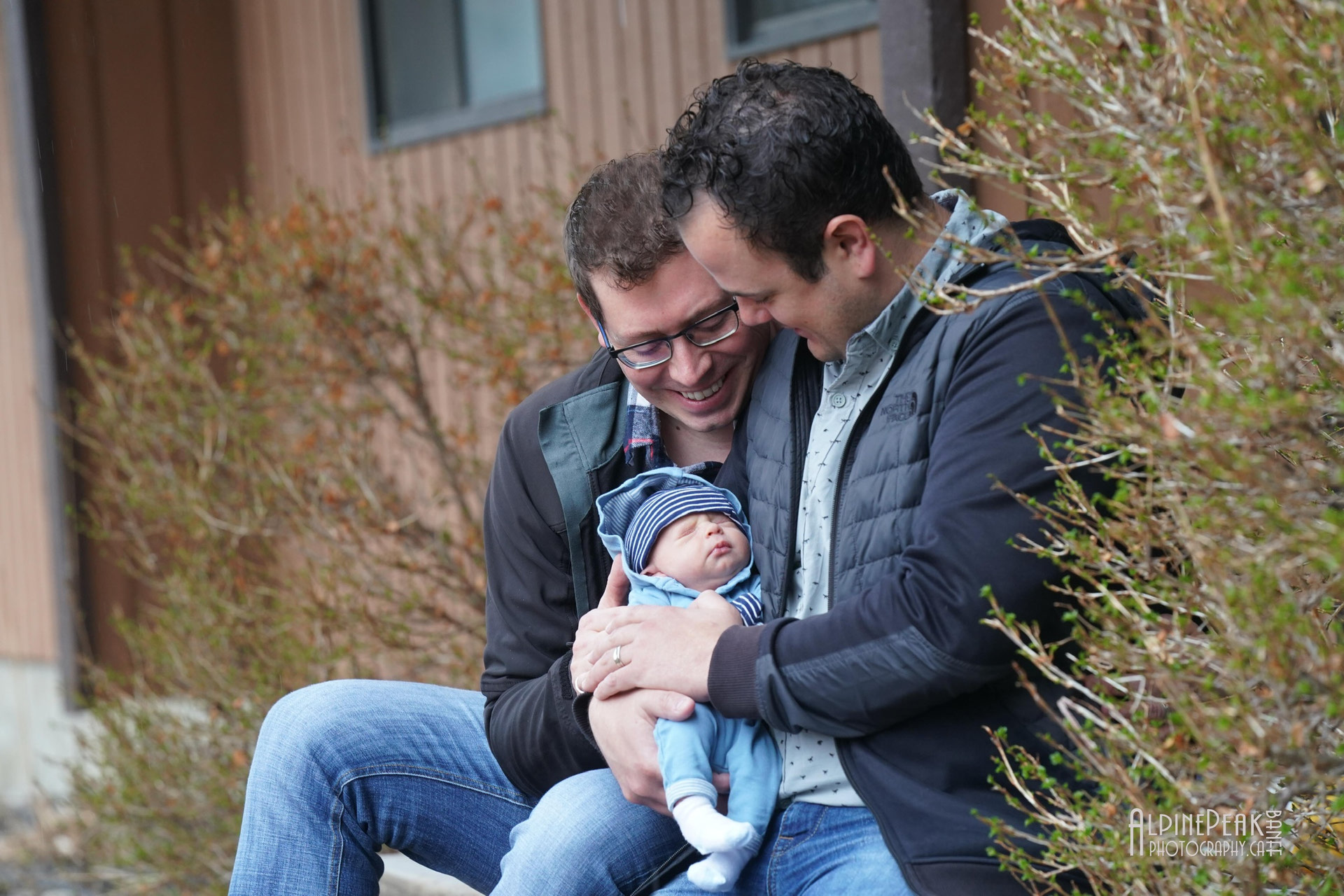Coming together while staying apart – Banff families support hospital with photo project